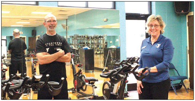 YMCA's free LIVESTRONG program an individual workout in group setting