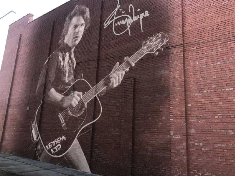 KM Hometown Hero Jimmy Wayne honored with mural